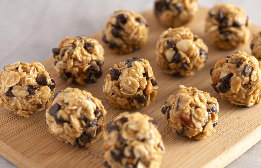 Boules d'énergie au beurre de cacahuète et chocolat